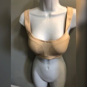 Wacoul adjustable strap bra 32D